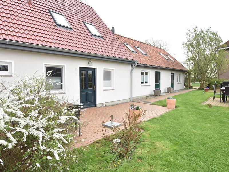Elegant Apartment in Stellshagen with garden seating and barbecue, holiday rental in Stellshagen
