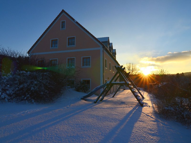 Unique holiday home, ideal as group accomodation, with lounge, a spacious garden, holiday rental in Schoensee