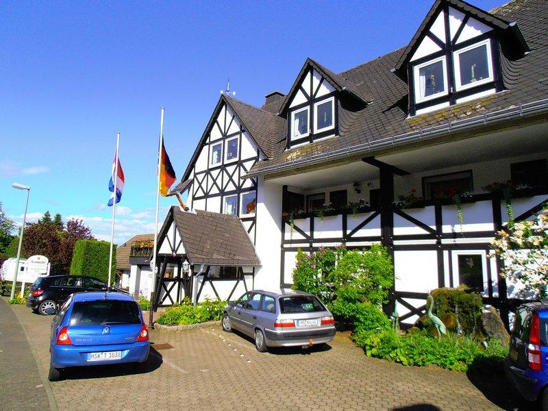 Pretty Apartment With Sauna in Bestwig Germany, vacation rental in Olsberg
