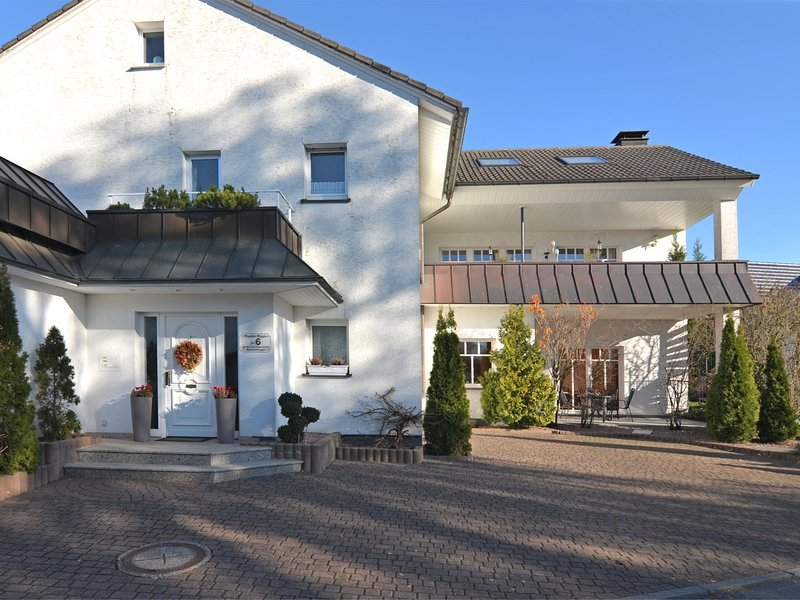 Tasteful apartment near Brilon on the ground floor with terrace and garden, holiday rental in Helminghausen