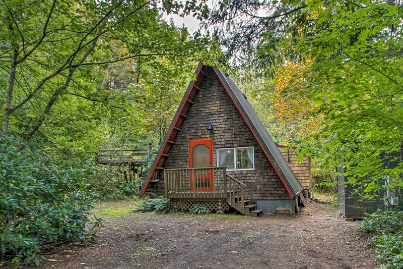 Remodeled Cottage Near Olympic National Forest!, alquiler de vacaciones en Lilliwaup