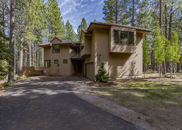 Spacious and Lovely Four Bedroom with Two Living Areas, location de vacances à Central Oregon