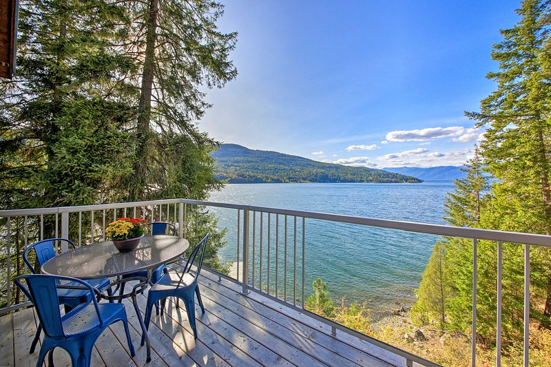 Lake Pend Oreille Home w/Dock & Paddle Boards, holiday rental in Hope