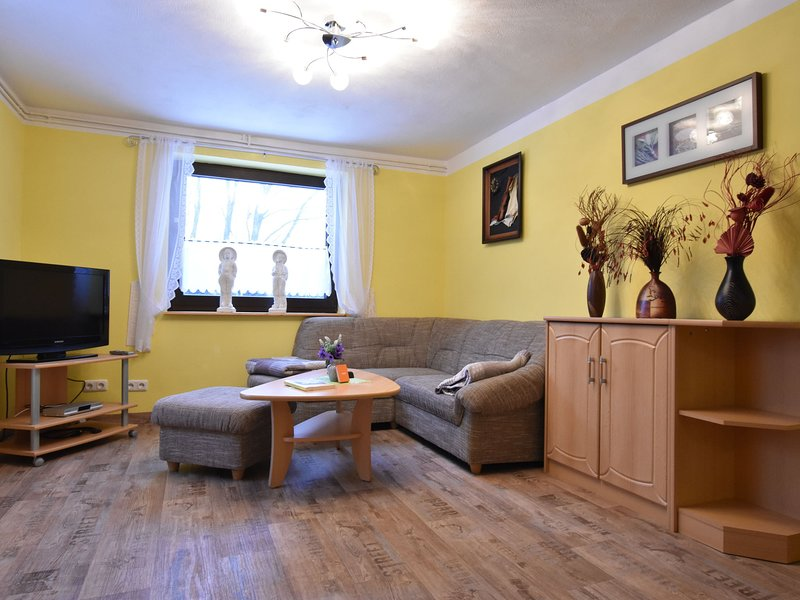 Cozy Apartment in Am Salzhaff Germany with Garden, holiday rental in Neubukow