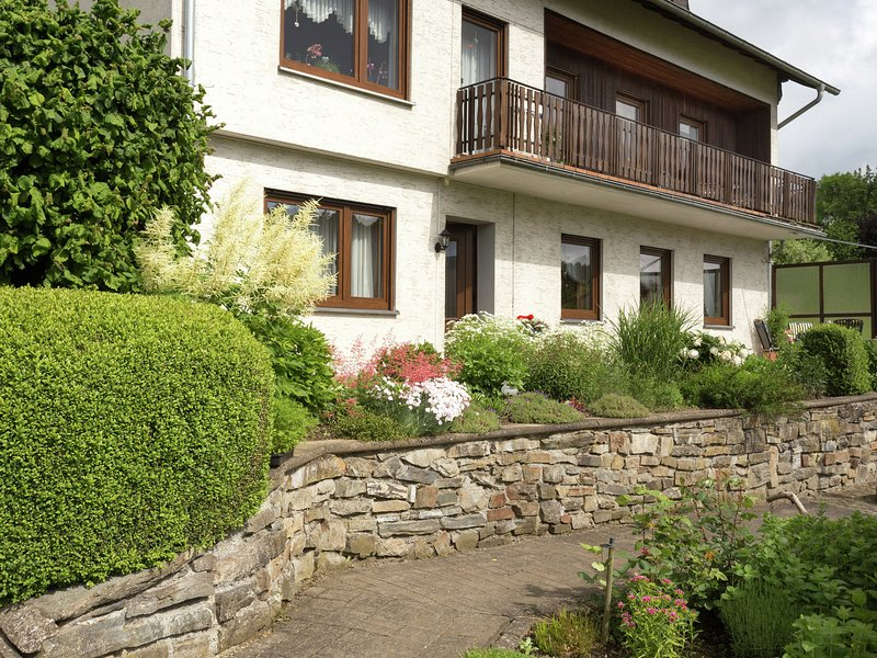 Serene Apartment near Ski Area in Hesborn, holiday rental in Medelon