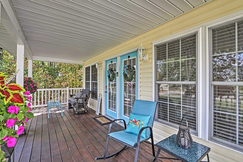 """Questa proprietà è giustamente chiamata """"The Front Porch of Apple Valley""""."""