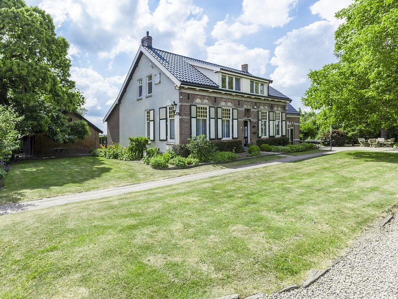 Very centrally and peacefully located, cosy and comfortable group accomodation, holiday rental in Terneuzen