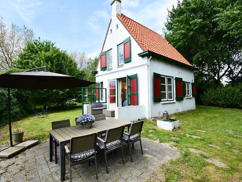 Quintessential, detached Ouddorp home with enormous garden, near the beach, location de vacances à Nieuwland