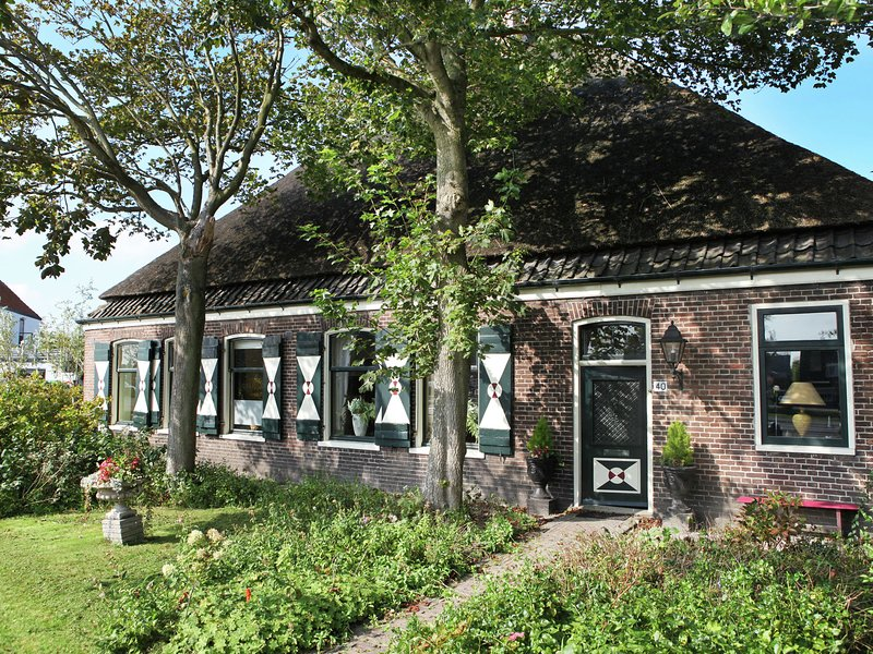 beautiful residential farmhouse on the sea, vacation rental in Schagerbrug