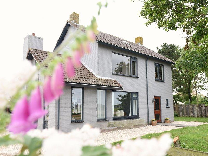 Cozy Holiday Home in Callantsoog with Garden, aluguéis de temporada em Groote Keeten