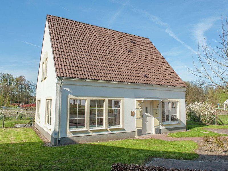Comfortable villa in a traditional style near Bad Bentheim, holiday rental in Emsdetten