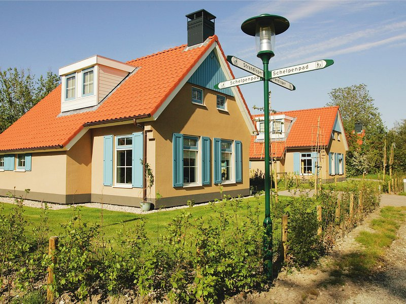 Traditional villa with two bathrooms, on Texel, sea at 1 km., location de vacances à Den Burg