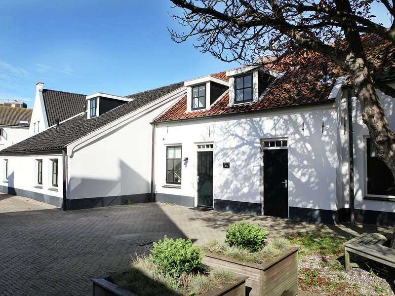 Fantastic farm house, on 150 meters of the sea., casa vacanza a Noordwijk