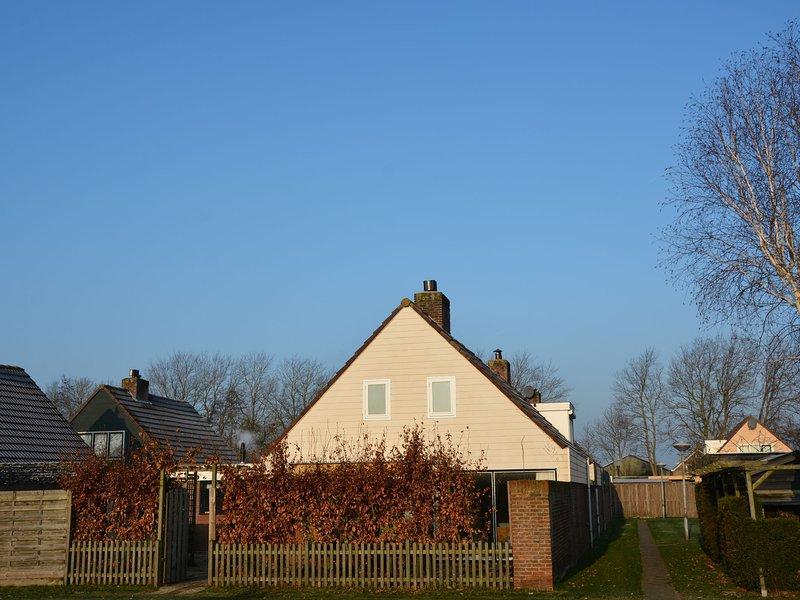 Cosy Holiday Home in Noordwijkerhout near Lake – semesterbostad i Noordwijkerhout