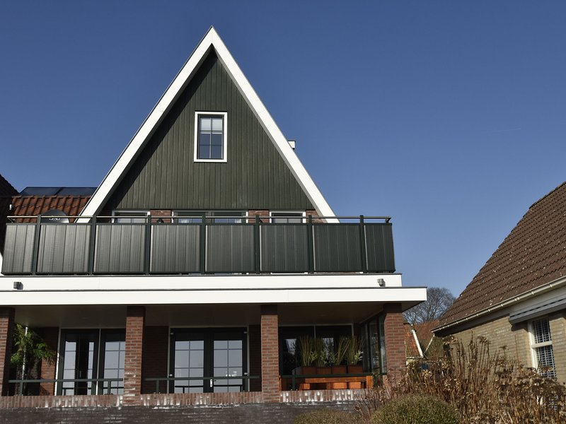 Modern Holiday Home in Westerland with Sea Nearby, vacation rental in Anna Paulowna