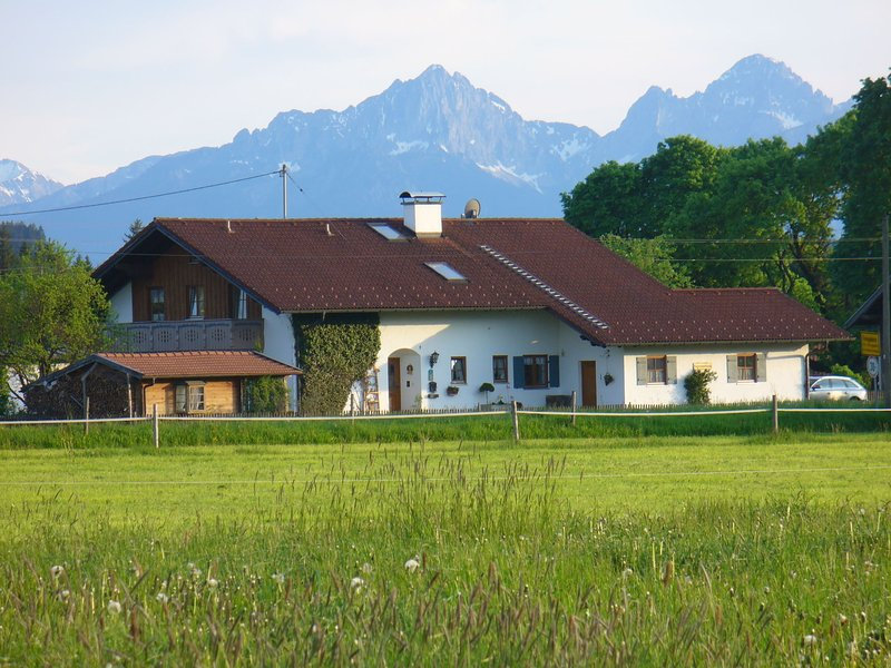 Comfortable apartment in Pfaffenwinkel in Upper Bavaria with private terrace, casa vacanza a Ingenried