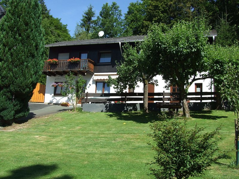 Holiday home in Medebach with Balcony, location de vacances à Korbach