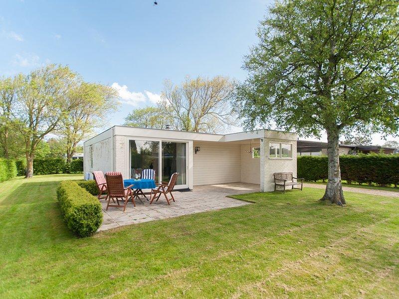 Cozy Holiday Home in Julianadorp with Large Garden, aluguéis de temporada em Breezand