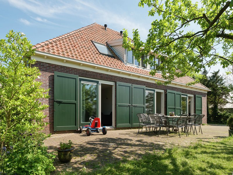 Group Accommodation in a Farmhouse in Zuidoostbeemster, alquiler vacacional en Beets