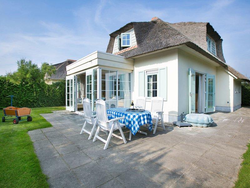 Detached villa with dishwasher, sea at 1 km in Domburg, location de vacances à Domburg