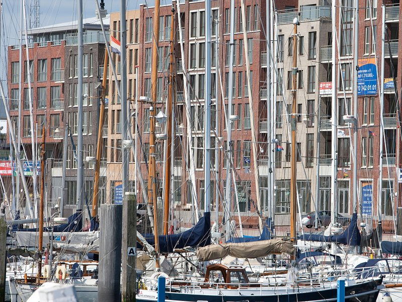 Modern apartment 500 m. from the centre of Scheveningen, Ferienwohnung in Den Haag