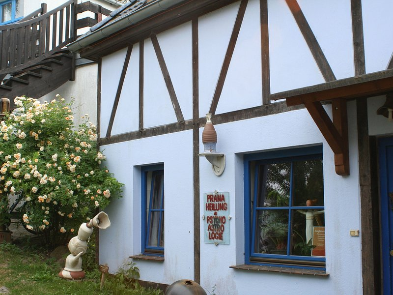 Quaint Apartment in Retschow on an Estate, holiday rental in Huetten