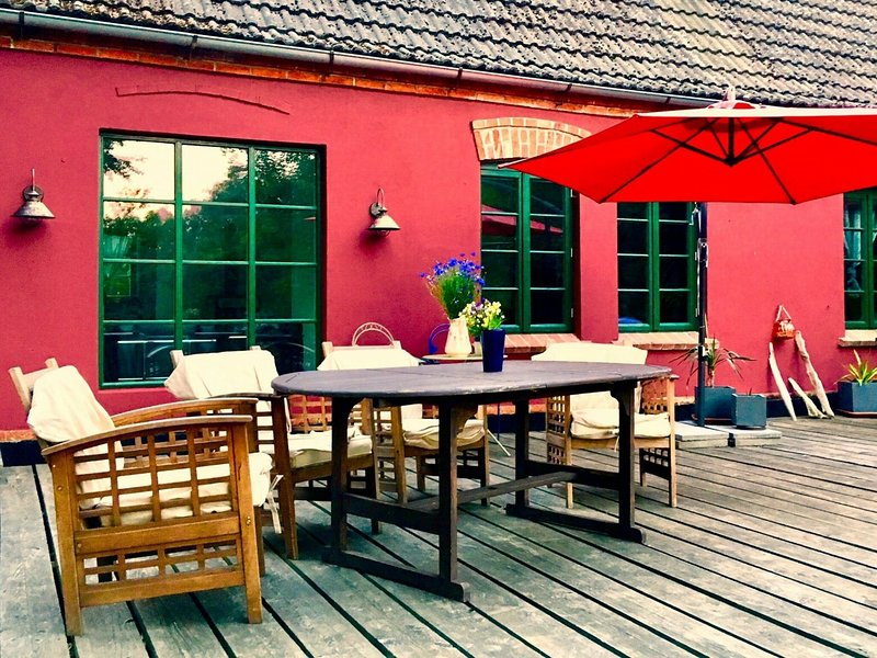 Attractive Apartment in Neuburg with Large Terrace Garden, holiday rental in Nantrow