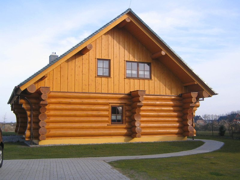 Quaint Holiday Home in Kröpelin with Balcony, holiday rental in Huetten