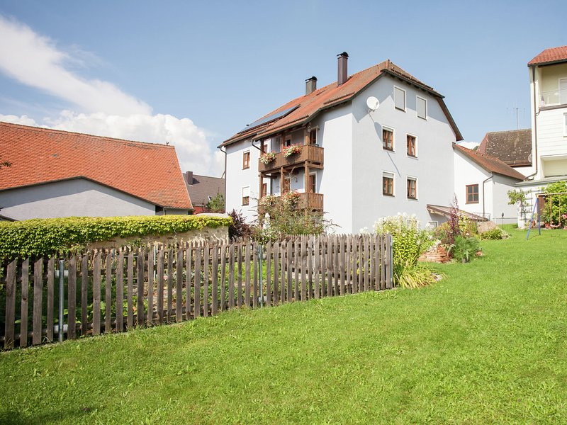 Cozy Apartment near Forest in Tännesberg, holiday rental in Neustadt an der Waldnaab