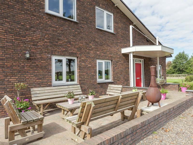 Beautiful Farmhouse in Venhorst near the Forest, holiday rental in Veghel