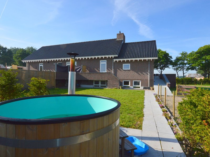 Lovely holiday home with sauna in wonderful rural location, casa vacanza a Elsendorp
