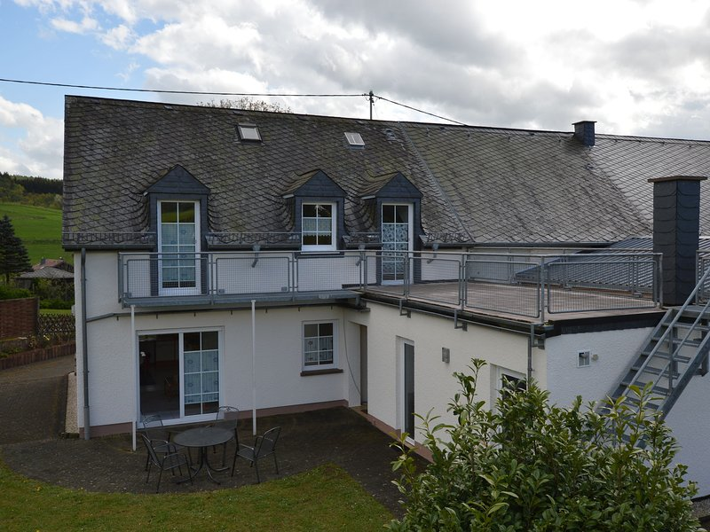 Comfortable Apartment in Eifel near Forest, holiday rental in Bitburg
