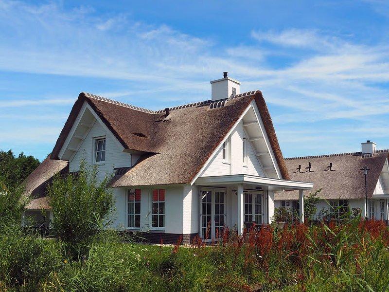 Beautiful villa with lots of comfort, near North Sea beach – semesterbostad i Noordwijkerhout