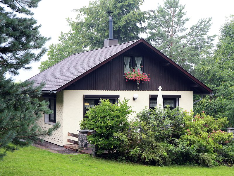 Attractive Holiday home in Waltershausen with Fireplace, casa vacanza a Hoerselberg-Hainich