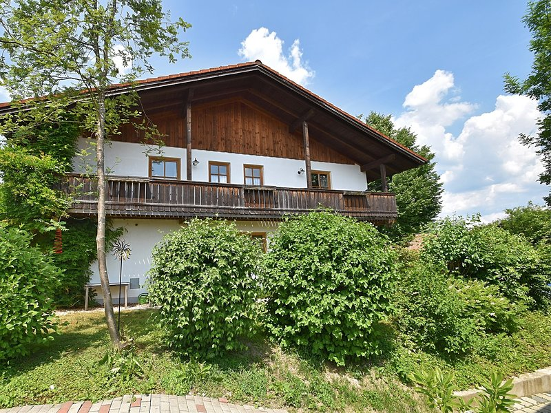 Spacious holiday home with garden and balcony in Rinchnach in the Bavarian Fores, holiday rental in Frauenau