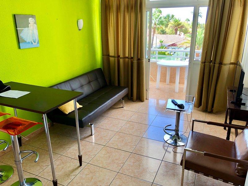 Modern 1 bedroom apartment - Playa Del Ingles, GC, vacation rental in Maspalomas