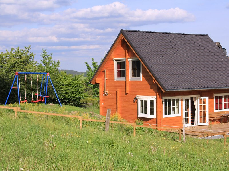 Wooden Holiday Home in Wissinghausen with Private Sauna, casa vacanza a Kustelberg