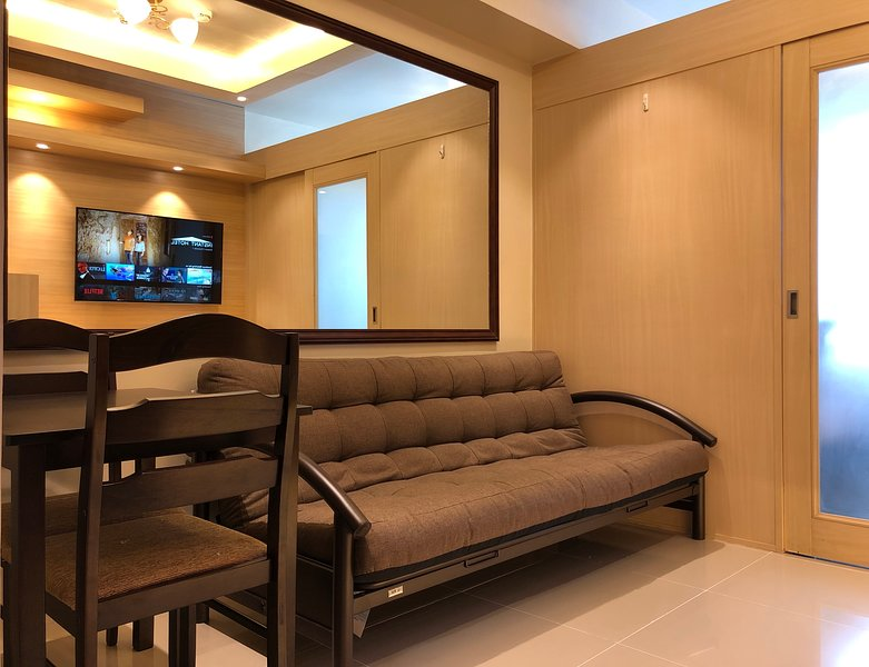 Rc Condo - Your Home away from Home !, vacation rental in Cavite City