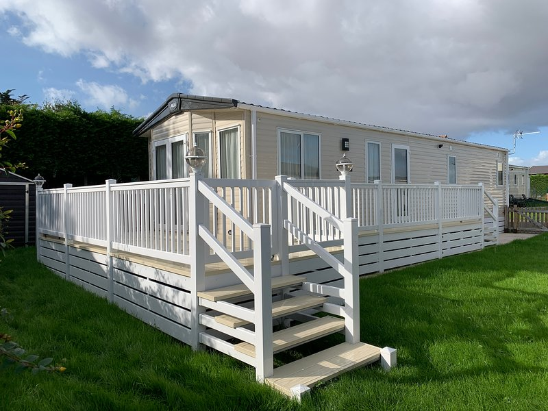 Hoilday Resort Unity Brean 8 Berth Deluxe With Decking, holiday rental in Bleadon