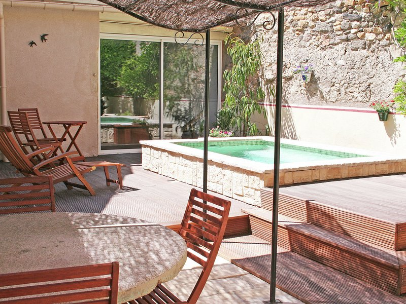 A beautiful little village house; well laid out and decorated with a great deal, vacation rental in Usclas-d'Herault