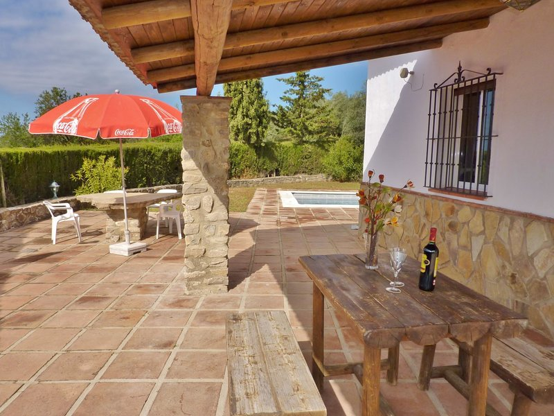 Pretty Cottage in Villanueva de la Concepción with Pool, aluguéis de temporada em Antequera