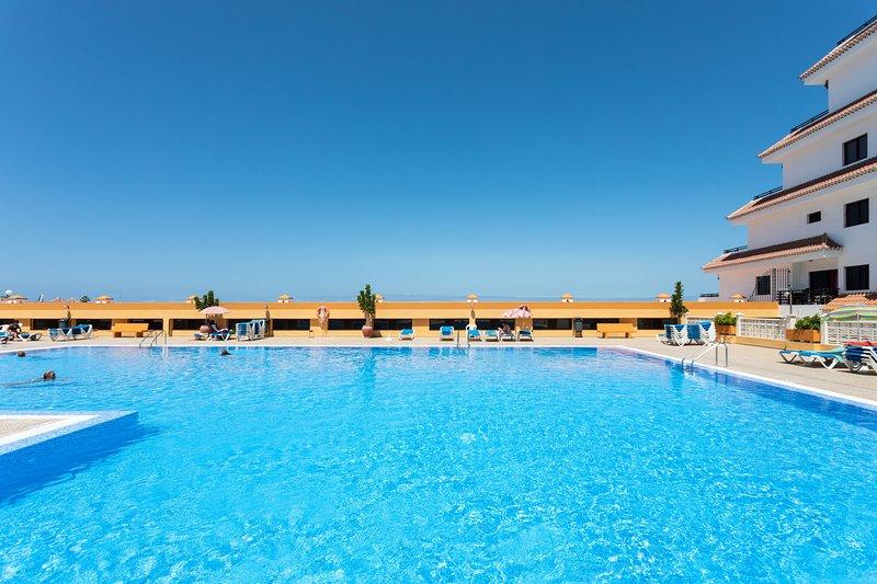 Apartment Seguro El Sol en Playa de la Arena, alquiler vacacional en Puerto de Santiago