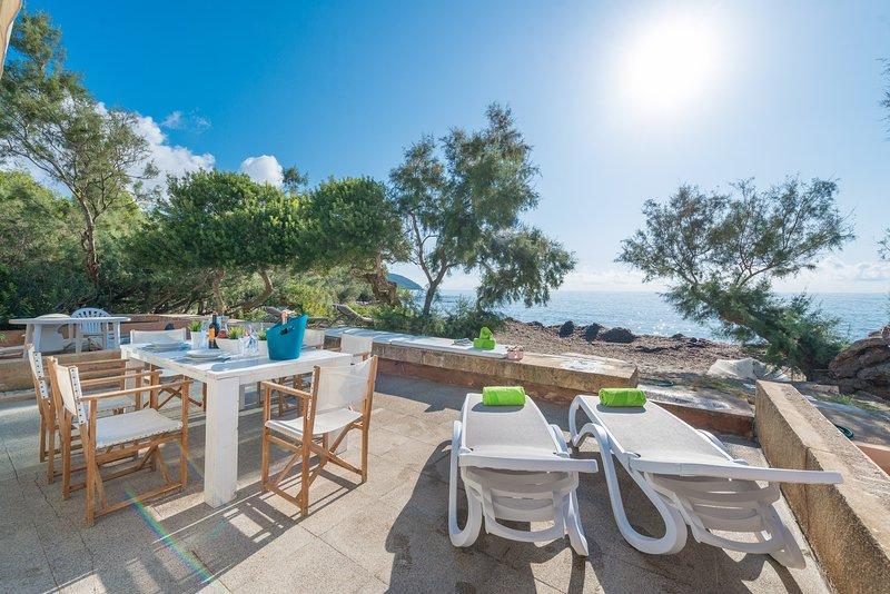PORT NOU CA NA CATI - Chalet for 6 people in CALA BONA, vacation rental in Costa De Los Pinos