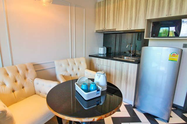 Eating area and kitchenette
