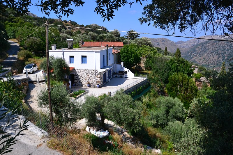 Villa Polios It is 12 km 15 min from Paleochora, holiday rental in Sougia