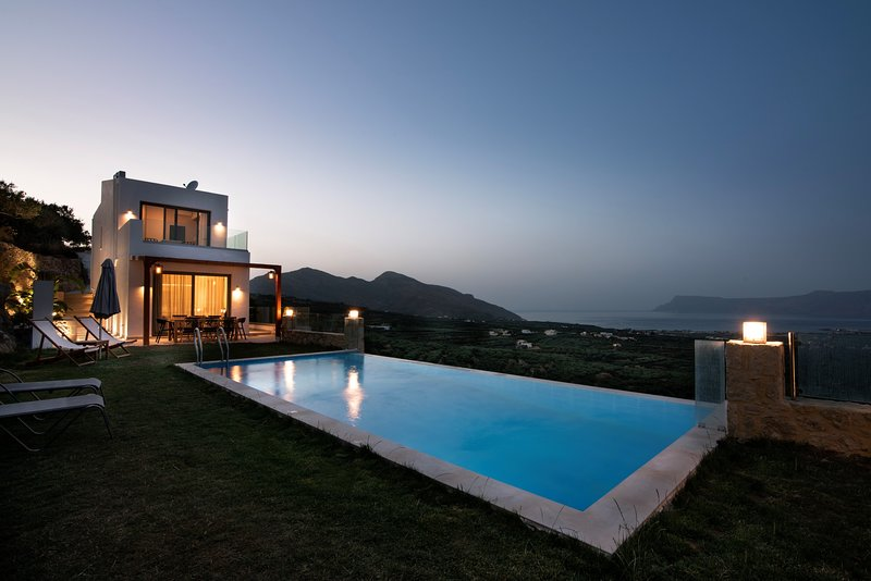 Villa Cielo, premium luxury villa with amazing view, vacation rental in Kavousi