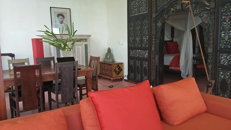 Villa Gamrang in Pelabuhan Ratu, 3 BR Villa with sea view and Private Garden, vacation rental in Pelabuhan Ratu