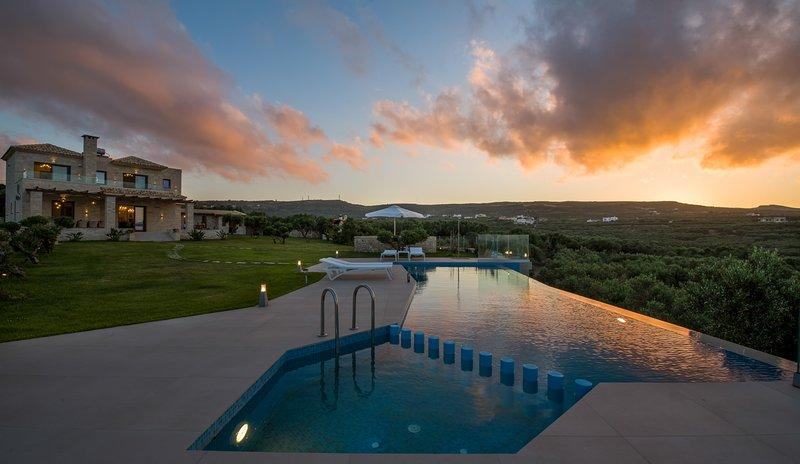Villa Aloni, luxury, private pool, garden, seaview, holiday rental in Kaliviani
