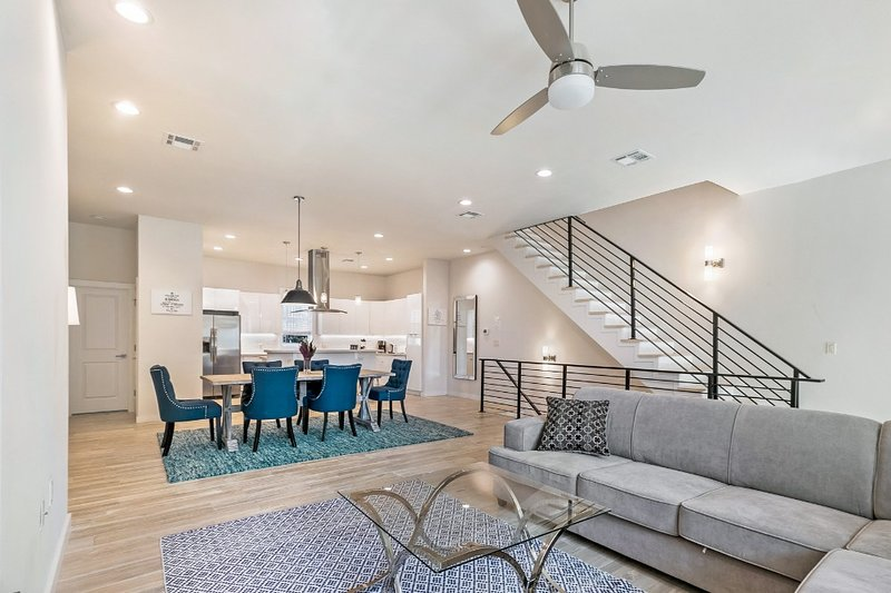 New Construction Townhouse with 2 Balconies, holiday rental in Metairie