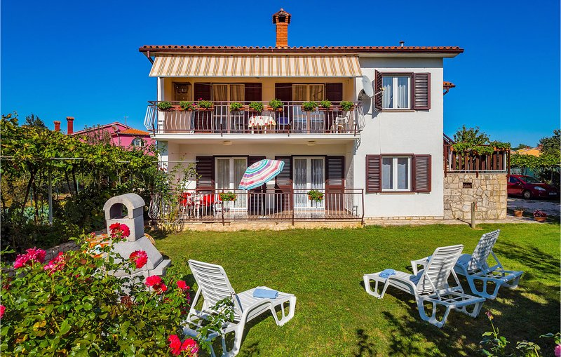 Amazing home in Kapelica with WiFi and 2 Bedrooms (CIK544), holiday rental in Rasa